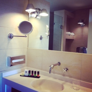 Bathroom Acropoli room